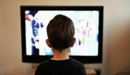 Οι συνέπειες της βίας στην τηλεόραση, στα παιδιά και στους εφήβους